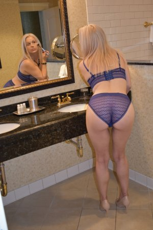 Edwina escorts service in Strongsville