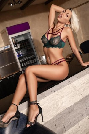 Hayet escort girl & casual sex