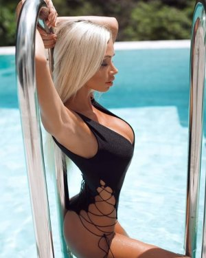 Jacinta outcall escort & sex parties